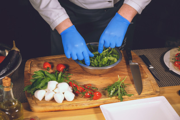 Manipulação de alimentos: a importância e as práticas recomendadas